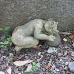 05元興寺の庭の邪鬼